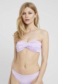 Seafolly - SHINE ON TWIST BANDEAU - Top de bikini - lilac - 3