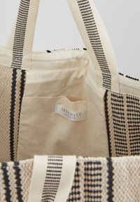 Seafolly - CARRIED AWAY ESSENTIAL STRIPE BEACH TOTE - Jiné - white/black - 4