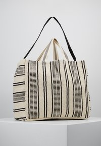 Seafolly - CARRIED AWAY ESSENTIAL STRIPE BEACH TOTE - Jiné - white/black - 0