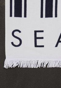 Seafolly - FRINGEBENEFITSFRENCH STRIPE BEACH TOWEL - Strandhanddoek - indigo - 2