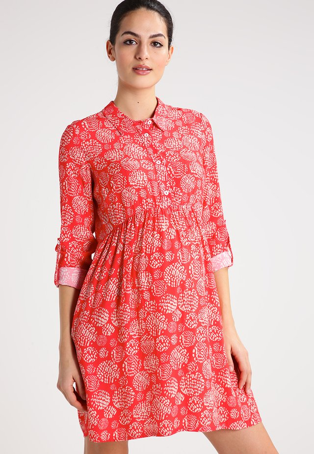 TARA - Shirt dress - red/sand