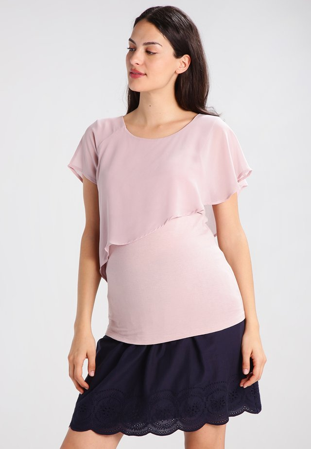 MEREDITH NURSING - T-shirt med print - blush