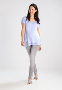 Seraphine - ROXANNE NURSING - T-shirt print - powder blue