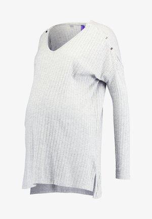 QUEENIE - Langærmede T-shirts - grey