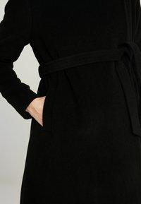 Seraphine - DONATELLA BLEND WRAP COAT - Kort kåpe / frakk - black - 5