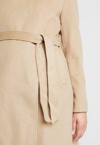Seraphine - BEVERLY WRAP COAT - Zimní kabát - camel - 5