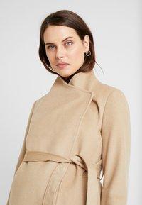 Seraphine - BEVERLY WRAP COAT - Zimní kabát - camel - 3