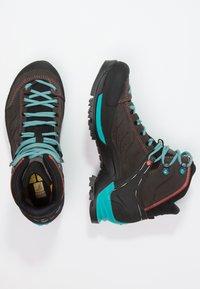 Salewa - MTN TRAINER MID GTX - Hiking shoes - magnet/viridian green - 2