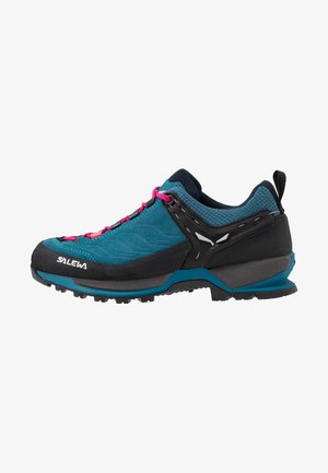 WS MTN TRAINER - Hiking shoes - blue sapphire/red plum