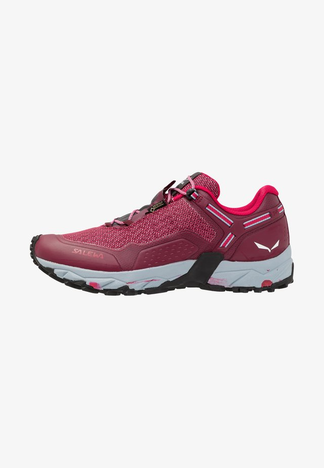 SPEED BEAT GTX - Outdoorschoenen - red plum/rose red