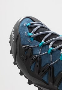 Salewa - WILDFIRE EDGE MID GTX - Hiking shoes - poseidon/grisaille - 6