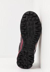Salewa - MTN TRAINER LITE GTX - Hiking shoes - virtual pink/mystical - 4