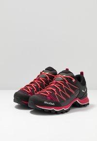 Salewa - MTN TRAINER LITE GTX - Hiking shoes - virtual pink/mystical - 2