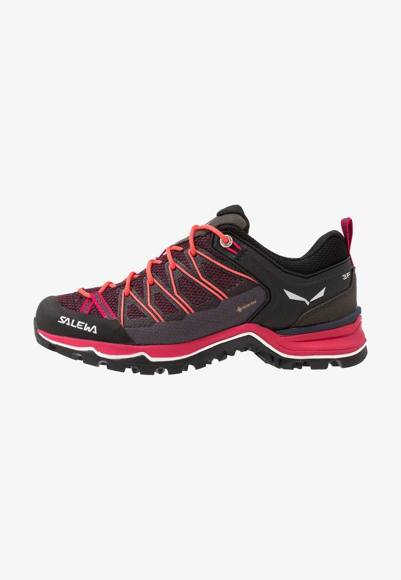 Salewa - MTN TRAINER LITE GTX - Hiking shoes - virtual pink/mystical