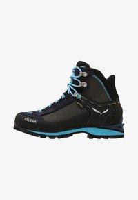 Salewa - CROW GTX - Mountain shoes - premium navy/ethernal blue - 0