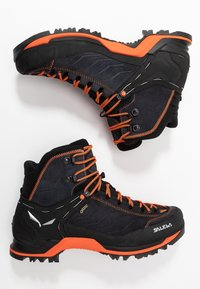 Salewa - MTN TRAINER MID GTX - Obuwie górskie - asphalt/fluo orange - 1