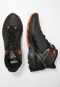 Salewa - MS ULTRA FLEX MID GTX - Hiking shoes - black/holland - 1