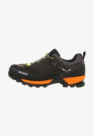 MS MTN TRAINER GTX - Lezecká obuv - black out/holland