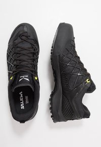 Salewa - MS WILDFIRE GTX - Hiking shoes - black out/silver - 1