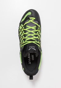 Salewa - MS WILDFIRE GTX - Chaussures de marche - black out/fluo yellow - 1