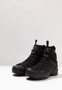 Salewa - WILDFIRE EDGE MID GTX - Hiking shoes - black - 2