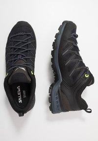 Salewa - MTN TRAINER LITE GTX - Hiking shoes - black - 1