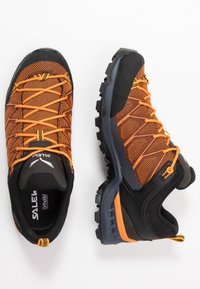 Salewa - MTN TRAINER LITE - Hiking shoes - ombre blue/carrot - 1
