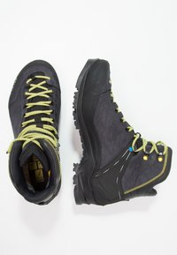 Salewa - RAPACE GTX - Obuwie górskie - night black/kamille - 1