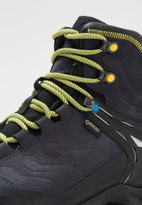 Salewa - RAPACE GTX - Obuwie górskie - night black/kamille - 5