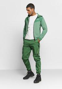 Salewa - AGNER HYBRID - Outdoorová bunda - feldspar green - 1