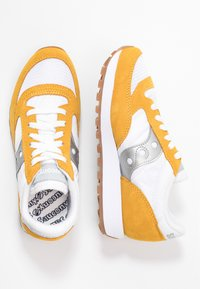 Saucony - JAZZ VINTAGE - Zapatillas - white/yellow/silver - 3