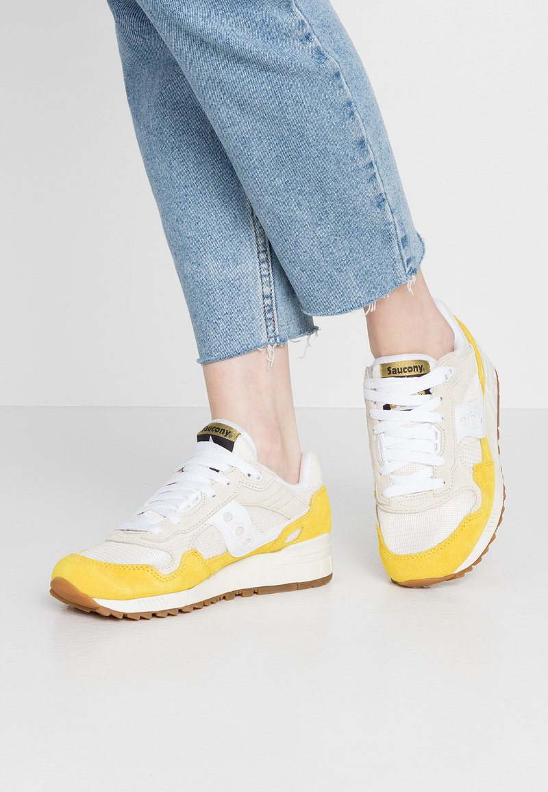 Saucony - SHADOW VINTAGE - Sneaker low - yellow/tan/white