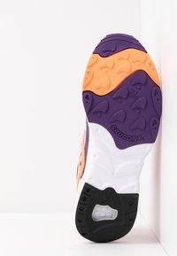 Saucony - AYA - Baskets basses - white/purple/orange - 4