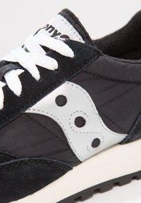 Saucony - JAZZ ORIGINAL VINTAGE - Sneakers basse - black/white - 5
