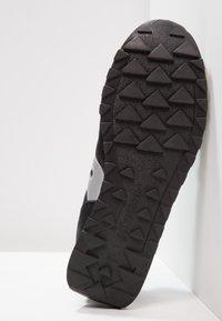 Saucony - JAZZ ORIGINAL VINTAGE - Sneakers basse - black/white - 4