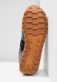 Saucony - JAZZ ORIGINAL VINTAGE - Sneaker low - grey/black - 4