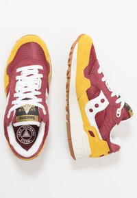 Saucony - SHADOW 5000 VINTAGE - Sneaker low - yellow/maroon/white - 1