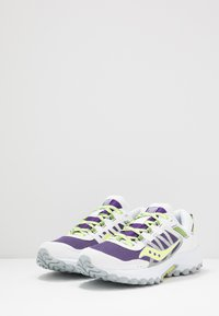 Saucony - EXCURSION TR13 - Sneakersy niskie - purple/citron - 2
