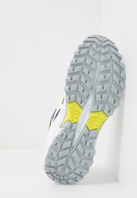 Saucony - EXCURSION TR13 - Sneakersy niskie - purple/citron - 4