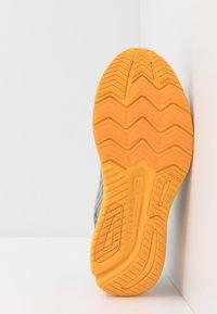 Saucony - RIDE ISO 2 - Neutrale løbesko - grey/yellow - 4