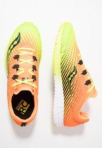 Saucony - TYPE A9 - Obuwie do biegania startowe - citron/orange - 1