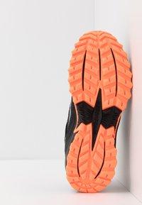 Saucony - EXCURSION TR13 GTX - Obuwie do biegania Szlak - black/orange - 4