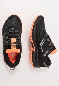 Saucony - EXCURSION TR13 GTX - Obuwie do biegania Szlak - black/orange - 1