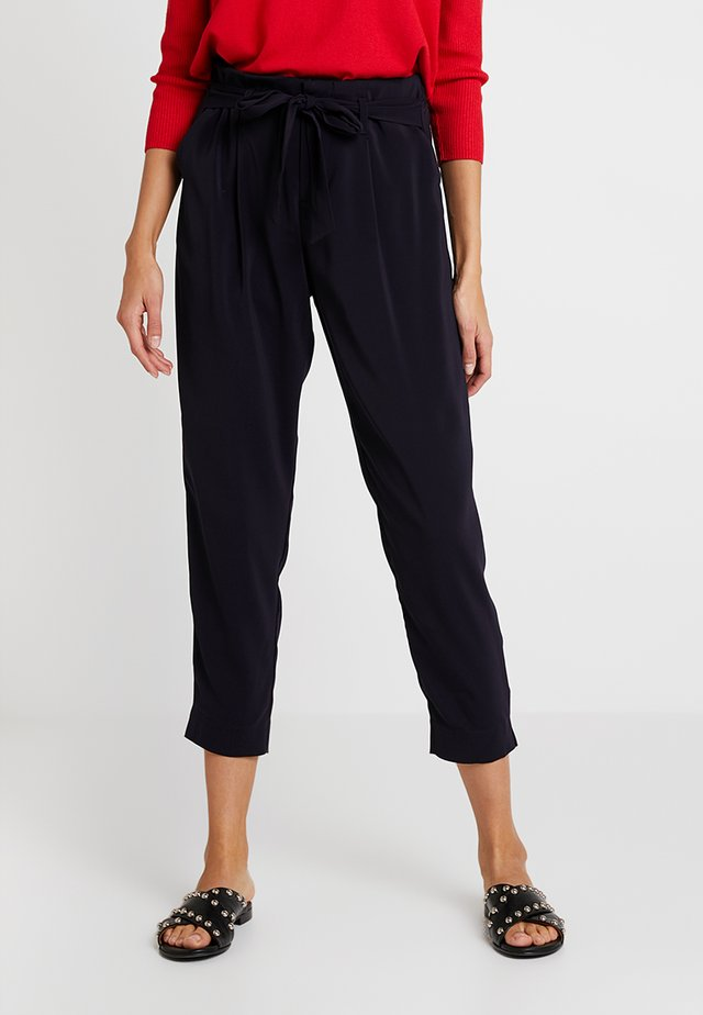 BELTED PANT CROPPED LENGTH - Bukse - blue deep