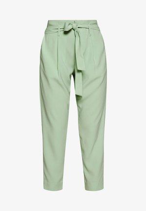 ANDREASZ PANTS - Pantaloni - army green