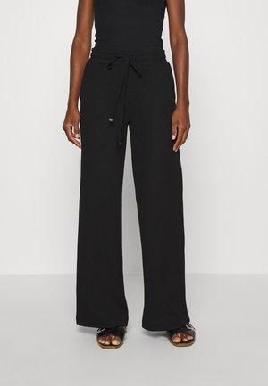 BEATHE LONG PANTS - Broek - black