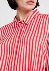 Saint Tropez - DRESS ON KNEE LENGTH - Shirt dress - tomato