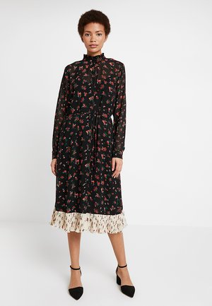 WOVEN CALF DRESS - Košilové šaty - black