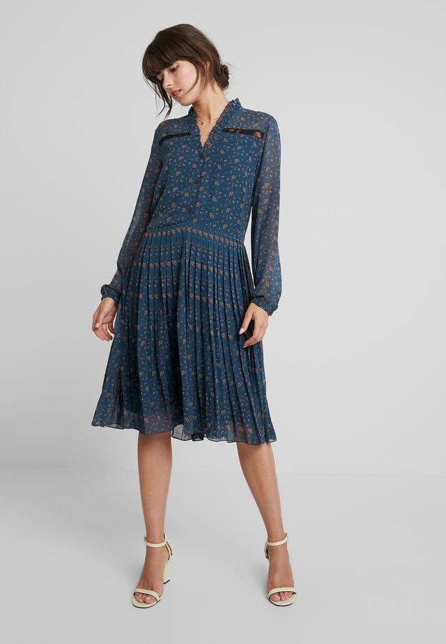 DRESS ON KNEE - Day dress - navy