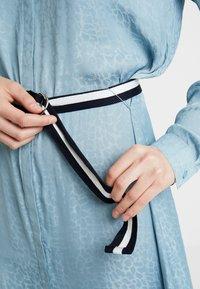 Saint Tropez - DRESS ON KNEE - Košilové šaty - blue - 7